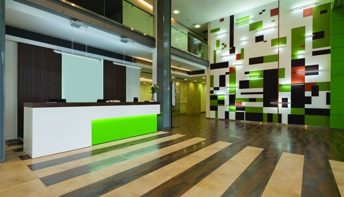 5-green-office-reception