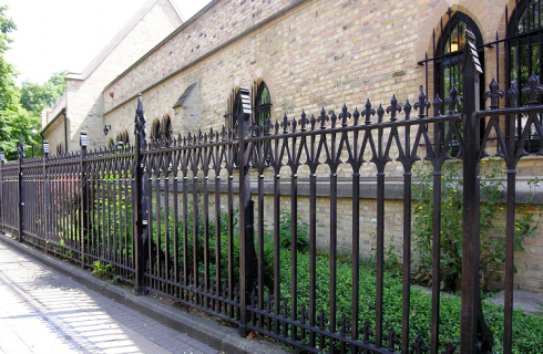 The Importance of Metal Railings – How to Add them Yourself