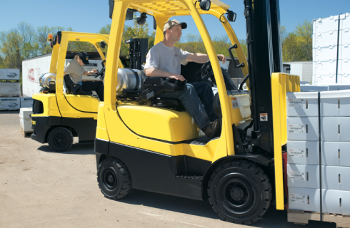 These Are the Reasons Why You Should Get a Forklift for Your House Construction