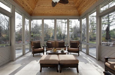 The Best Furniture Pieces for Your Sunroom