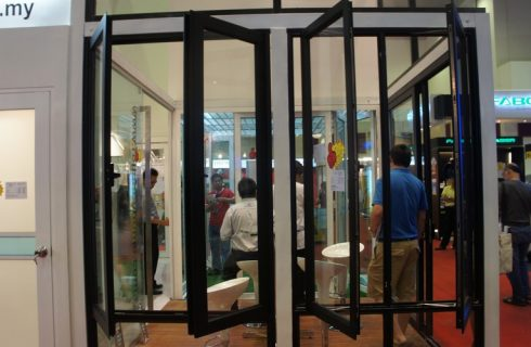 What to Look for in a Bifold Folding Door Vendor