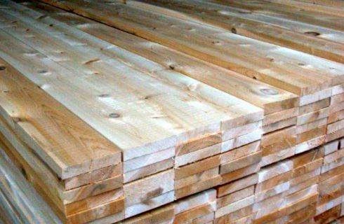 Appearance and Durability Matter when Choosing Wood For A Fence