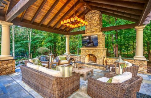 Protect Your Flat-Screen TV in an Outdoor Setting and Relax